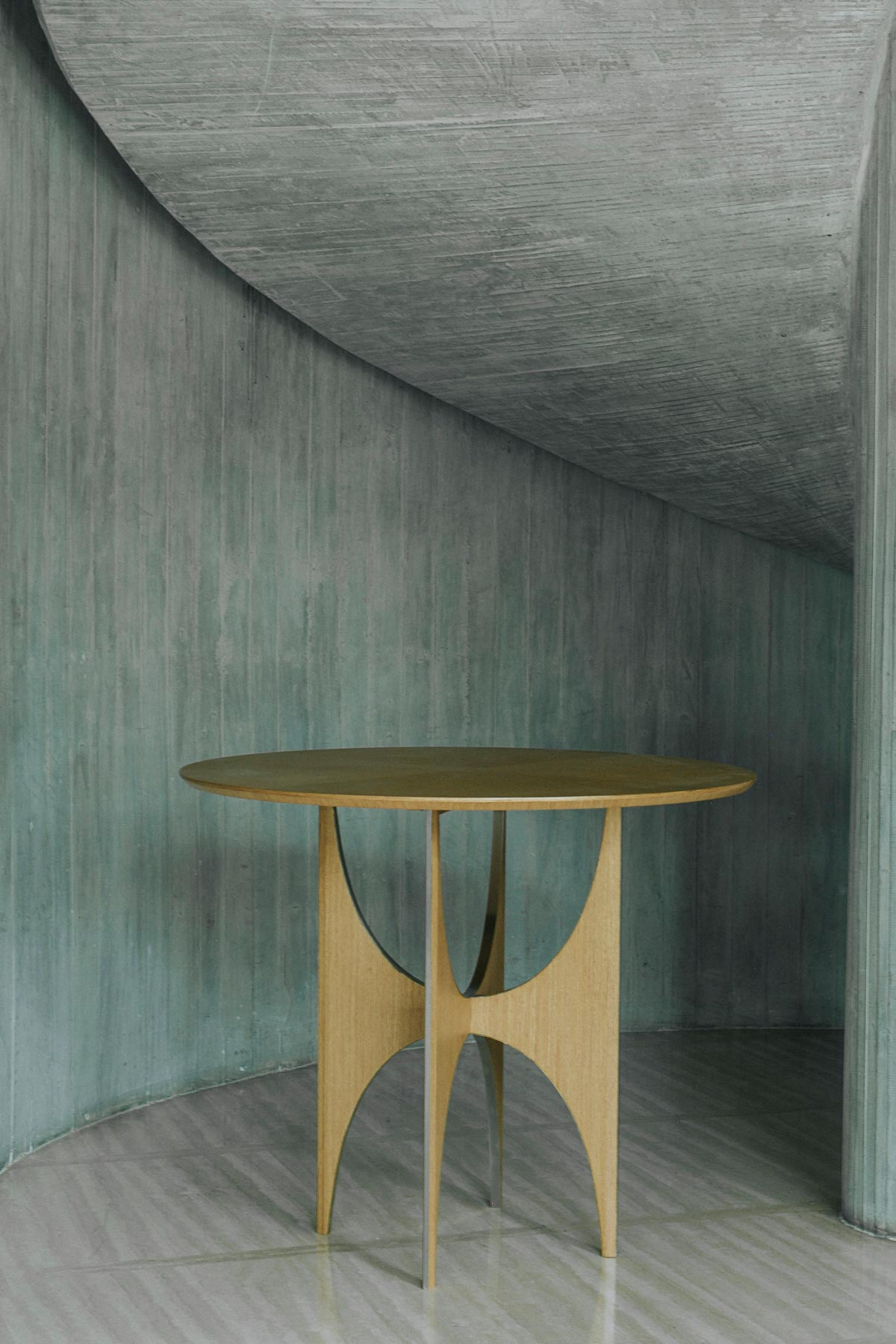 6.2_ARC-ROUND-TABLE-LIGHT_1200x1800